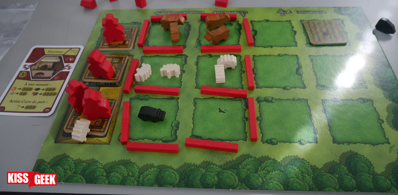 En cours de partie, la ferme se construit. Miam miam les animaux ! (Jeu pas pour les vegans)