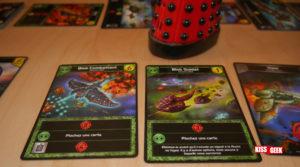Les cartes de blobs sont très puissantes en terme d'attaque et, en plus, ces deux-là combotent pour piocher deux cartes